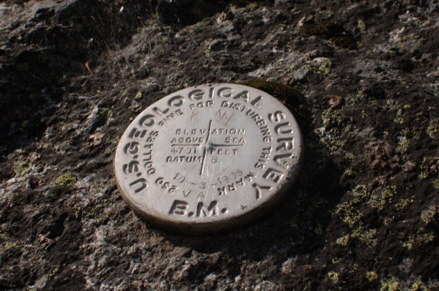 "USGS benchmark from October 3, 1906, elevation 4701, Datum ""B"""